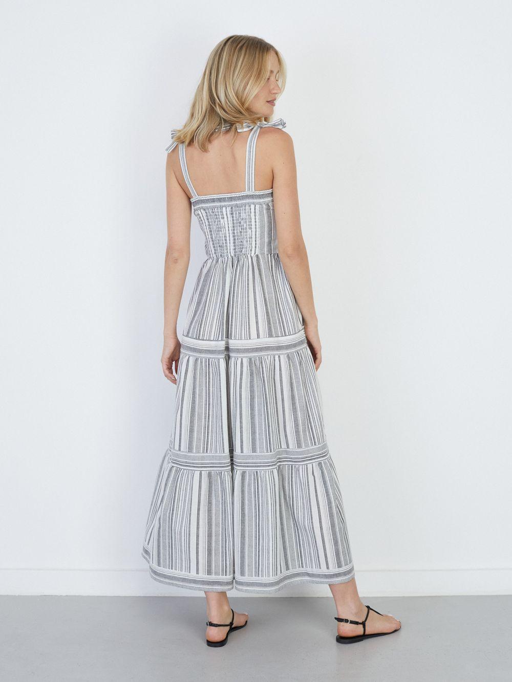 שמלת מקסי קומות עם כתפיות קשירה