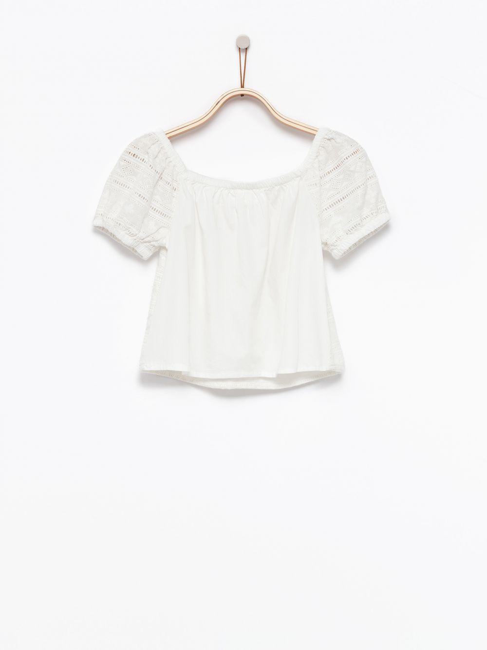 חולצת תחרה