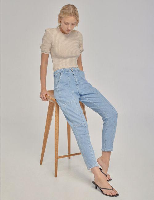 ג'ינס MOM עם חיתוכים
