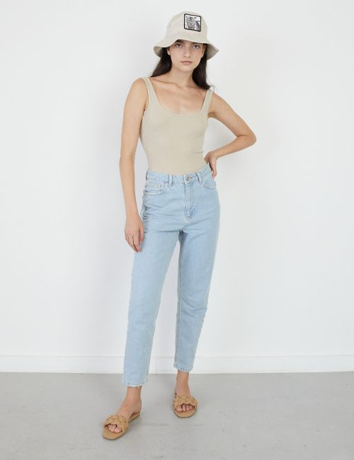 ג'ינס MOM קלאסי