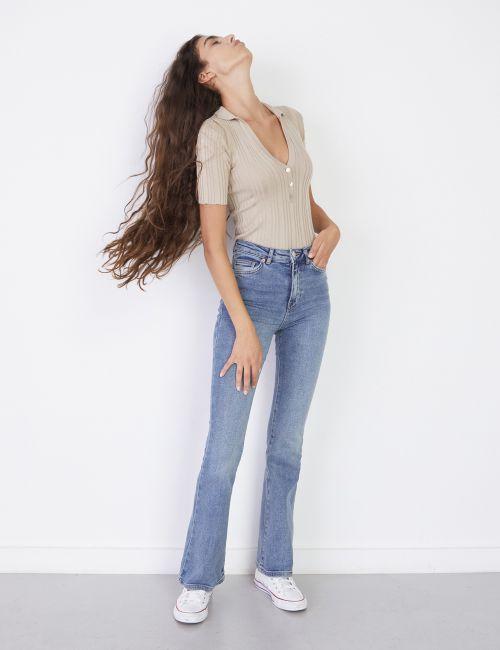 ג'ינס FLARE בגזרה גבוהה