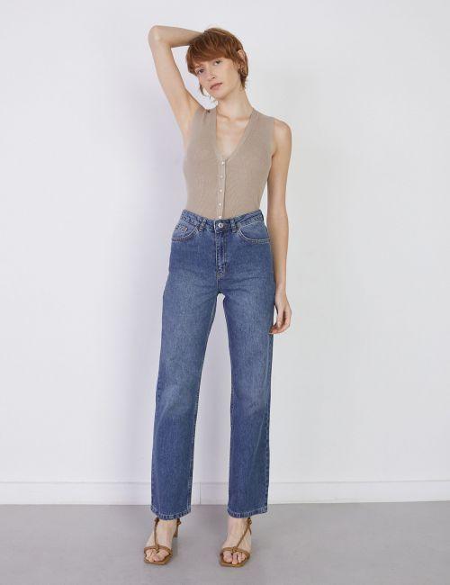 ג'ינס STRIGHT בגזרת בוייפרנד