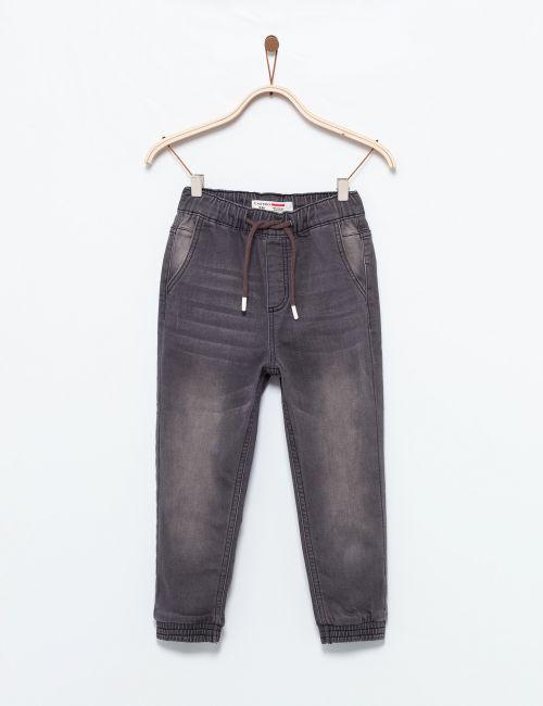 ג'ינס עם גומי במותן