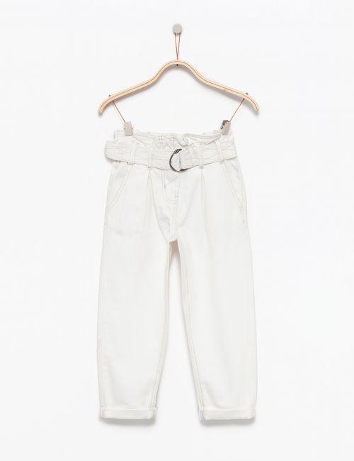 ג'ינס רחב עם חגורה