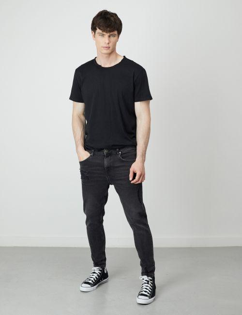 ג'ינס DANIEL Super Skinny במראה מכובס עם קרעים