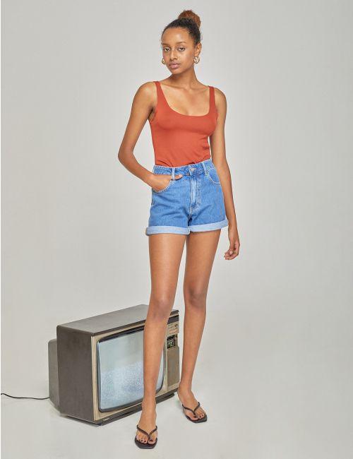 ג'ינס MOM עם מכפלת מקופלת