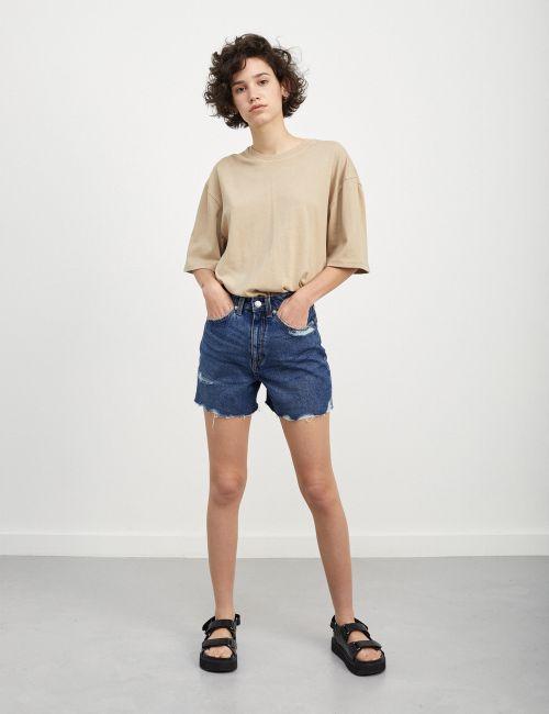 ג'ינס STRAIGHT קצר עם קרעים