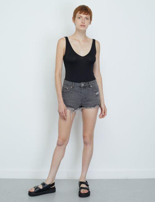 ג'ינס שורטס מכפלת גזורה