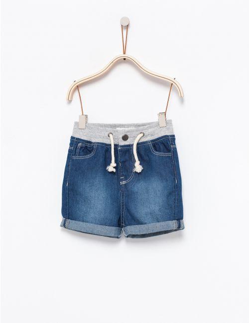 מכנסי ג'ינס קצרים עם גומי במותן