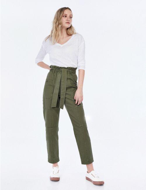 מכנסי קרגו בגזרה גבוהה עם חגורת קשירה
