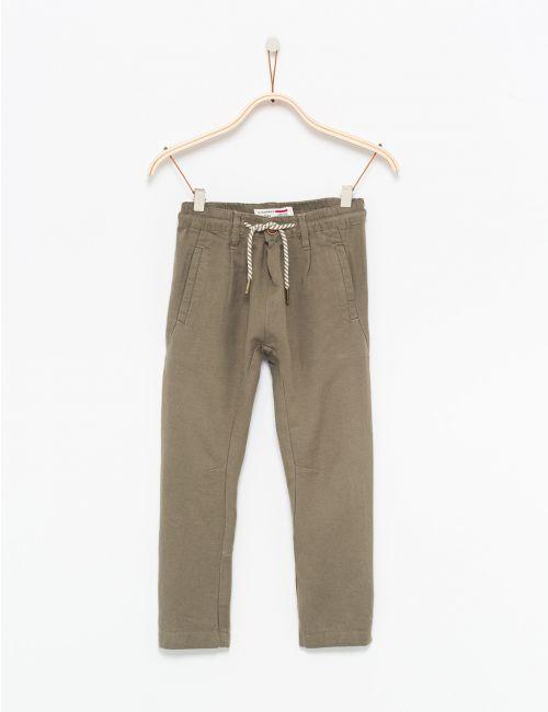 מכנסיים בשילוב פשתן