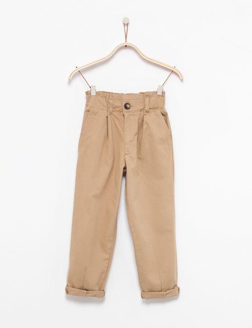 מכנסיים בגזרה גבוהה עם כיווצים במותן