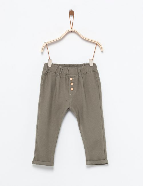 מכנסיים עם קפלים