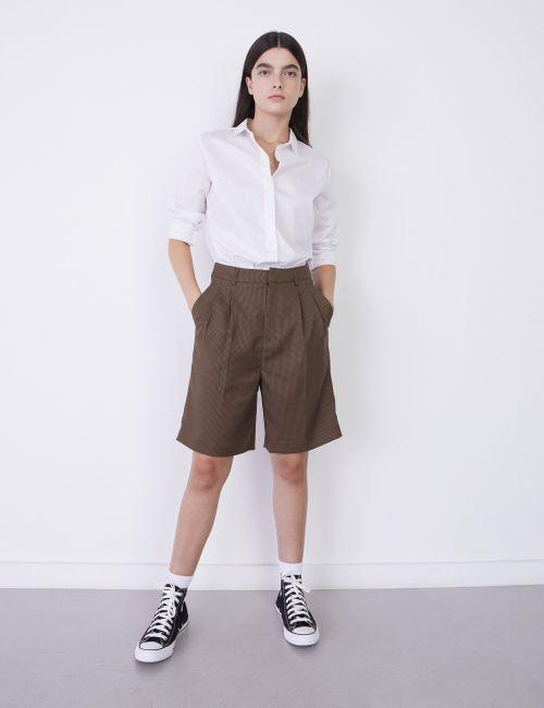 מכנסי ברמודה מחוייטים משובצים