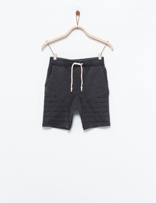 מכנסי בייקר קצרים