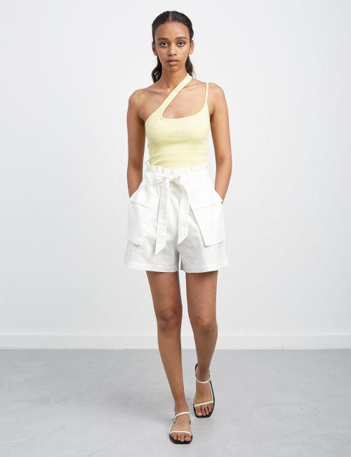 מכנסיים קצרים עם קשירה