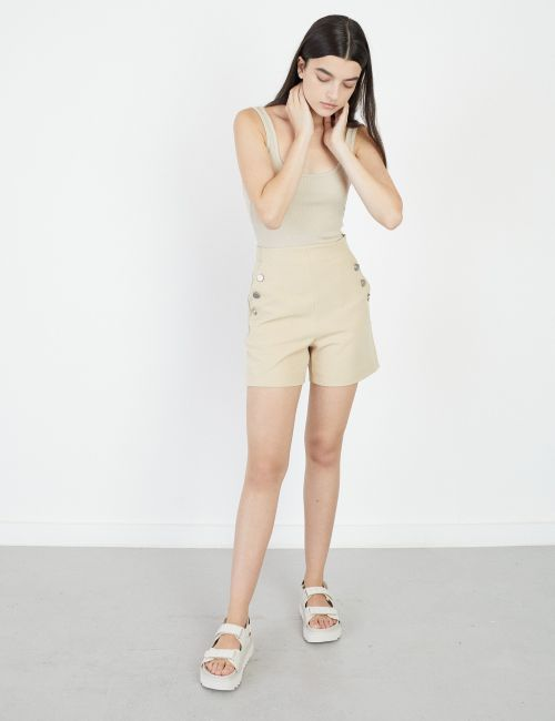 מכנסי שורטס כפתורים