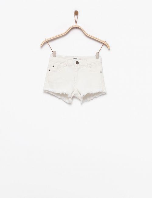 מכנסיים קצרים עם מכפלת גזורה