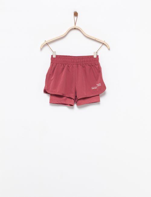 מכנסיים קצרים בשילוב טייץ
