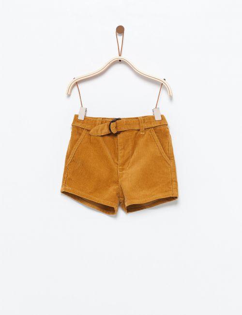 מכנסי קורדרוי קצרים עם חגורה