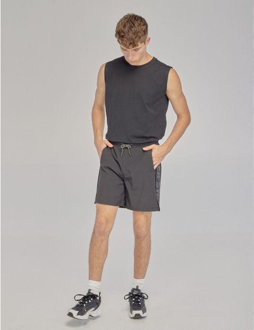 מכנסיים ספורטיביים עם פסי צד