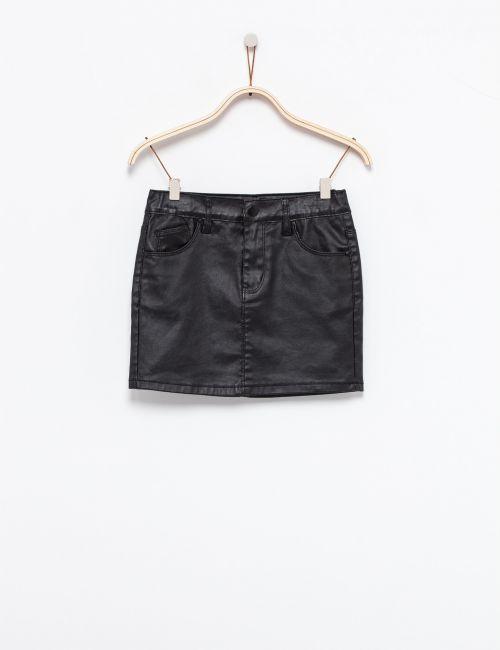 חצאית מיני במראה מבריק