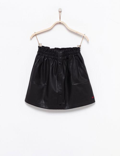 חצאית במראה עור עם כפתורים