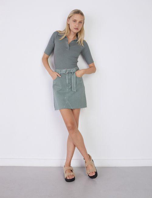 חצאית דנים עם חגורת קשירה