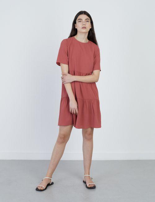 שמלת קומות קצרה