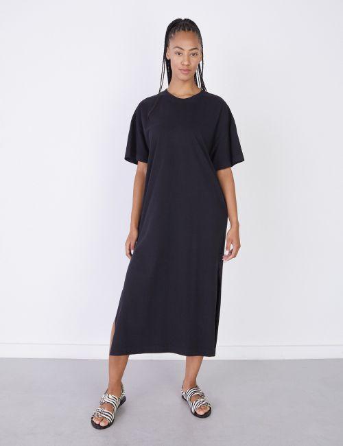 שמלת טי מקסי עם שסע