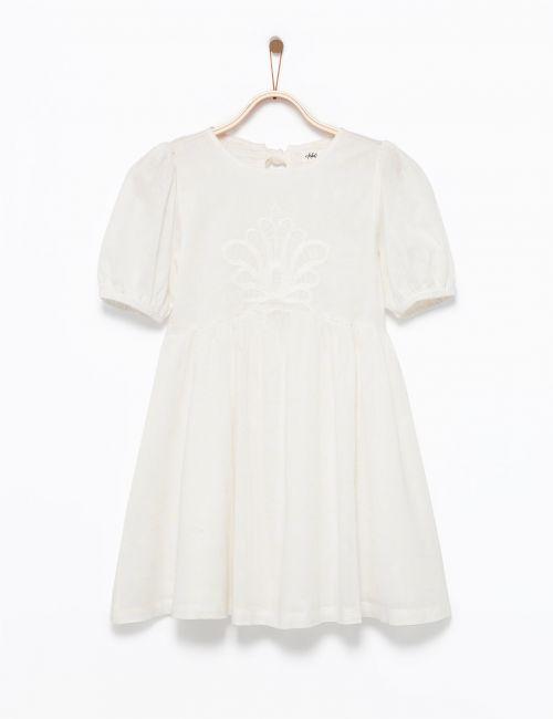 שמלה עם רקמת תחרה ושרוולים מכווצים