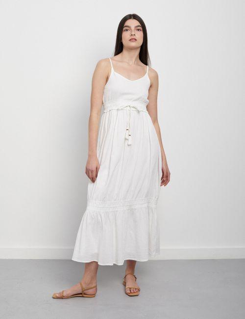 שמלת קומות עם חגורת גדילים