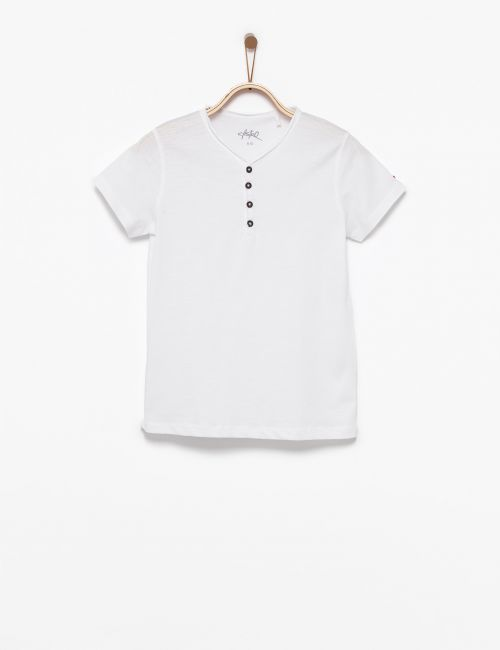 חולצת טי כפתורים