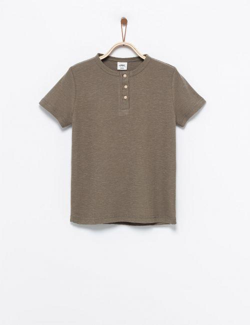חולצת טי כפתורים בטקסטורת וופל