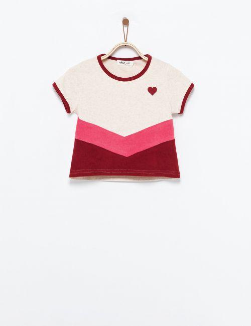 חולצת טי קולור בלוק עם הדפס מובלט