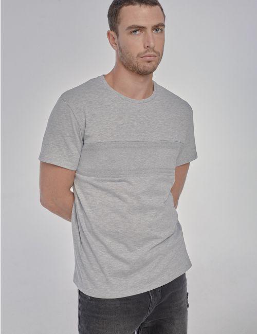 חולצת טי עם חתך