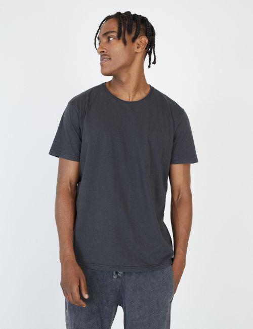 חולצת טי צווארון כפול