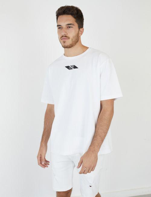 חולצת טי עם הדפס קדמי ואחורי
