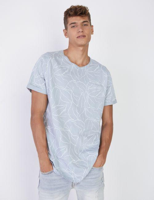 חולצת טי מודפסת עם עלים אולאובר