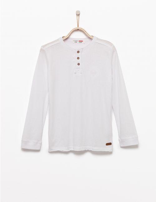חולצת טי עם כפתרת שינה ורקמת אייל