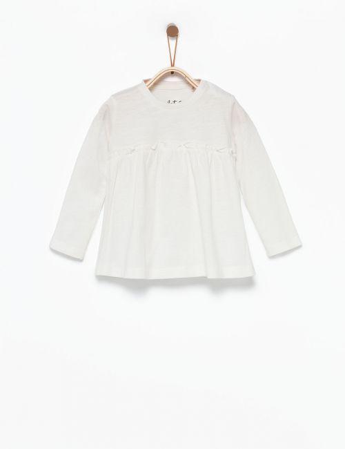 חולצת טי מתרחבת