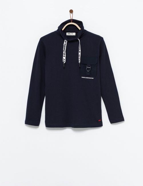 חולצת טי חצי גולף עם כיס