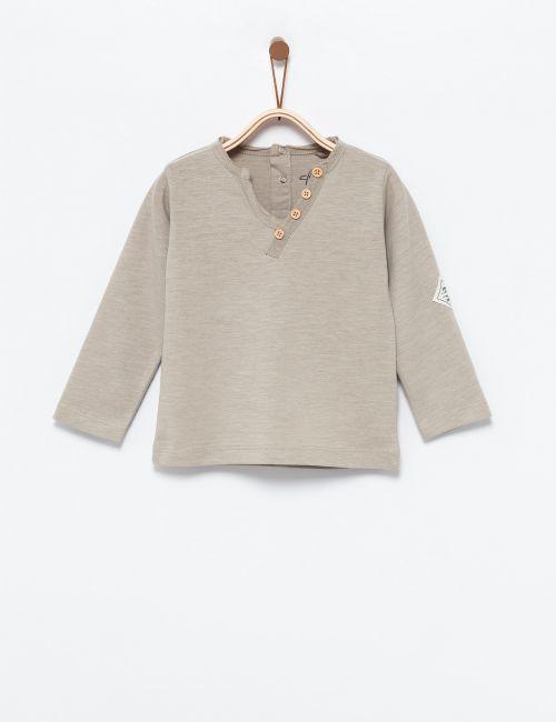 חולצת טי עם כפתורים אלכסוניים