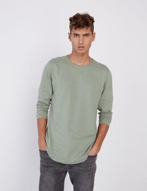 חולצת טי עם טקסטורה