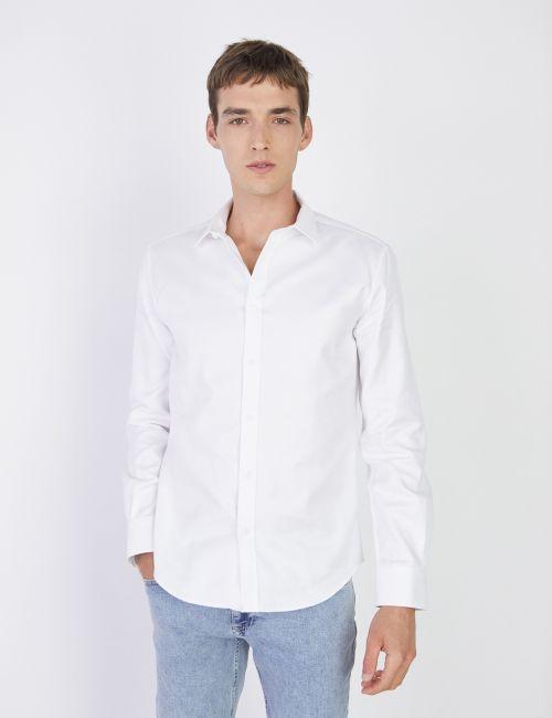 חולצה לבנה טקסטורה אלכסונית