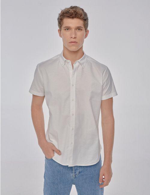 חולצת אוקספורד מכופתרת