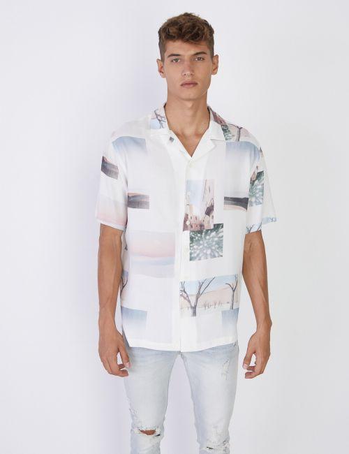 חולצת ריזורט מודפסת