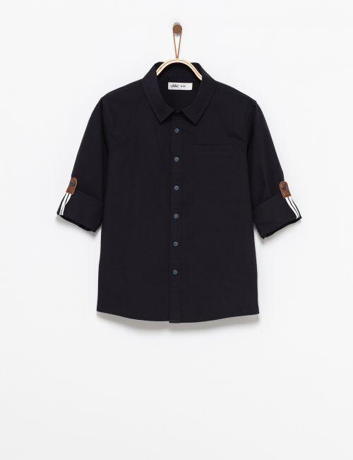 חולצה מכופתרת עם אלמנט בשרוולים