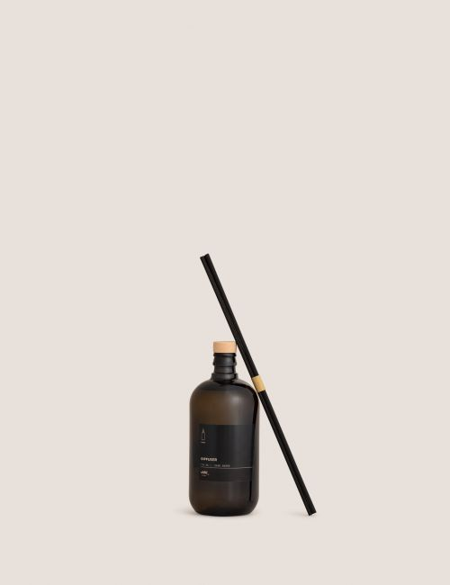 """מפיץ ריח DARK AMBER / 750 מ""""ל"""