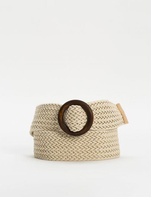 חגורה קלועה עם אבזם עץ עגול